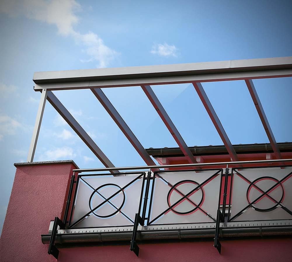 Glazed aluminium veranda